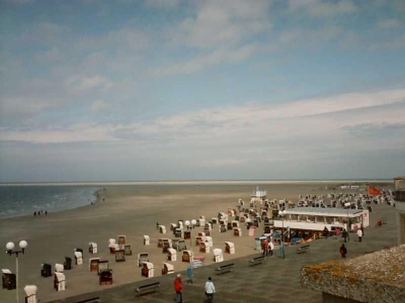 Der lange Sandstrand der Insel Borkum